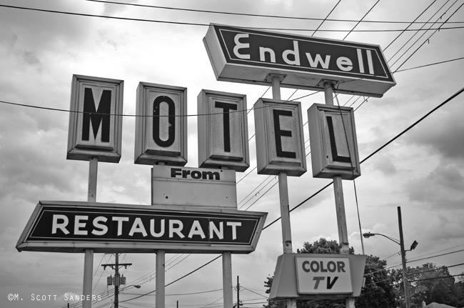 endwell-motel-bw